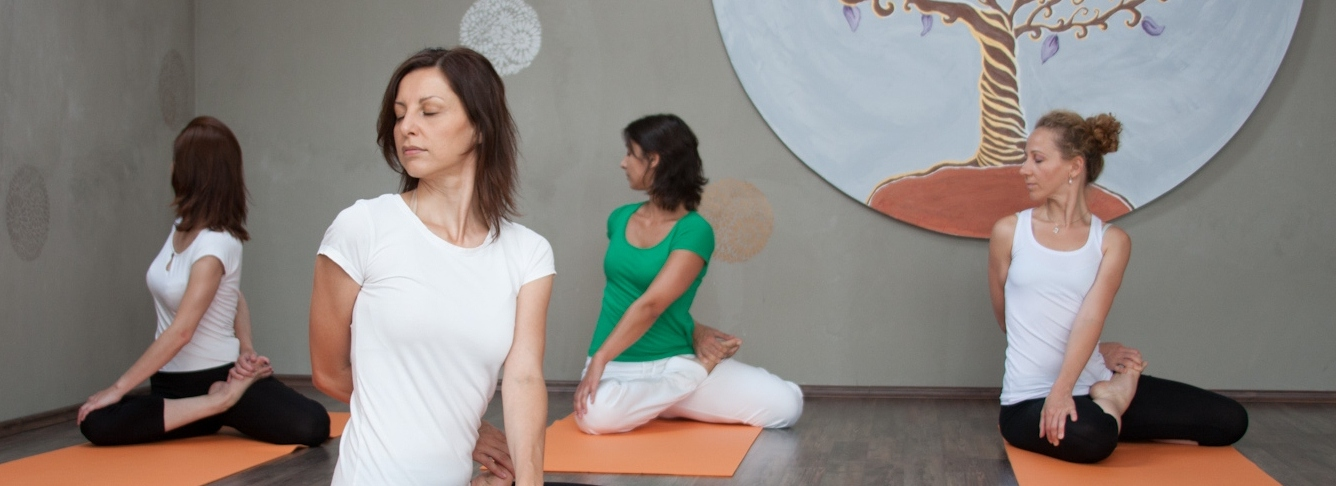 jóga gyakorló foglalkozás