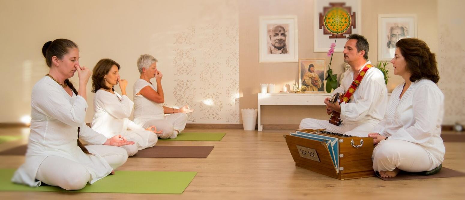 Mantrás jóga gyakorló