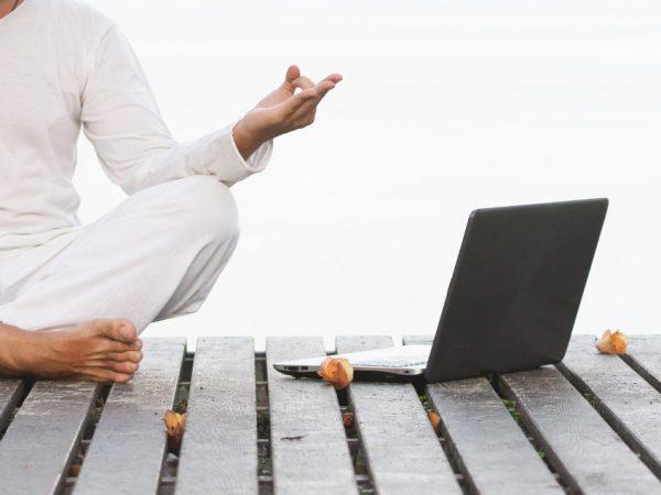 Online jógaóra